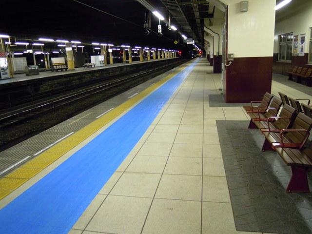 宇都宮駅 日光線 壁塗装